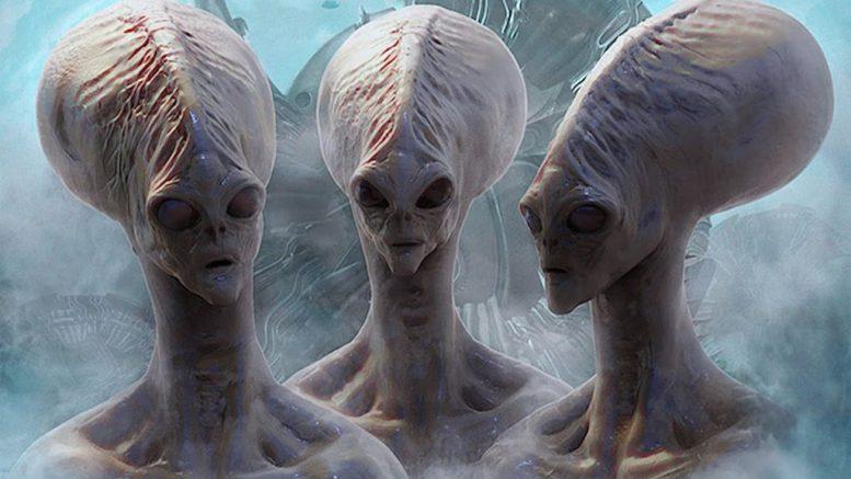 WikiLeaks: В письмах главы штаба Клинтон говорится о «пришельцах из смежной вселенной»