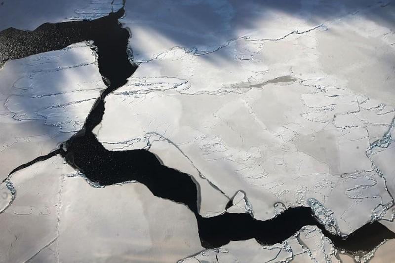 В Антарктиде появилась огромная дыра и никто не знает причину