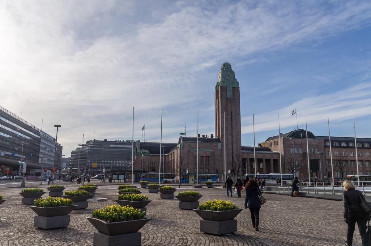 """Питерские """"бомжи"""" обзавидовались: Финляндия в рамках эксперимента будет выплачивать двум тысячам безработных по 560 евро в месяц"""