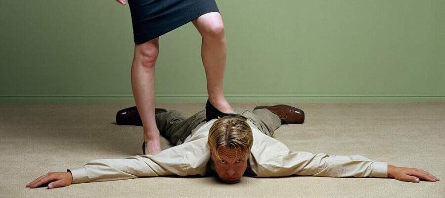 Женщины, вам доставляет удовольствие ломать и подчинять себе мужчин?