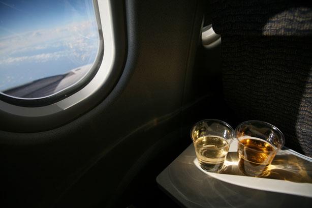 2-х нетрезвых женщин сняли сборта самолета ваэропорту Сочи