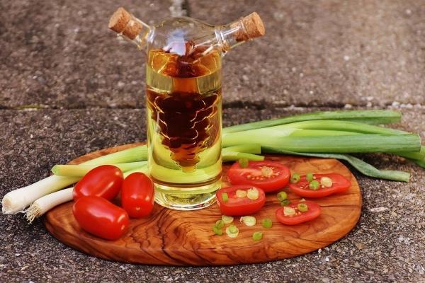7 гениальных идей использования уксуса в кулинарии