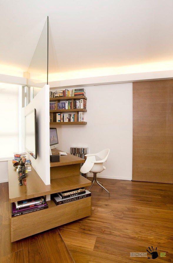 Перегородка между гостиной и кабинетом