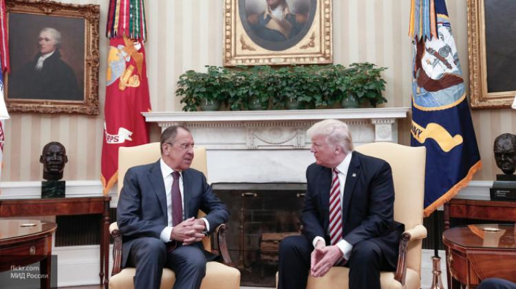 NY Times узнала подробности разговора Трампа с Лавровым: Коми – психопат