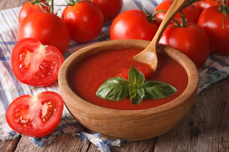 Острый томатный соус на зиму
