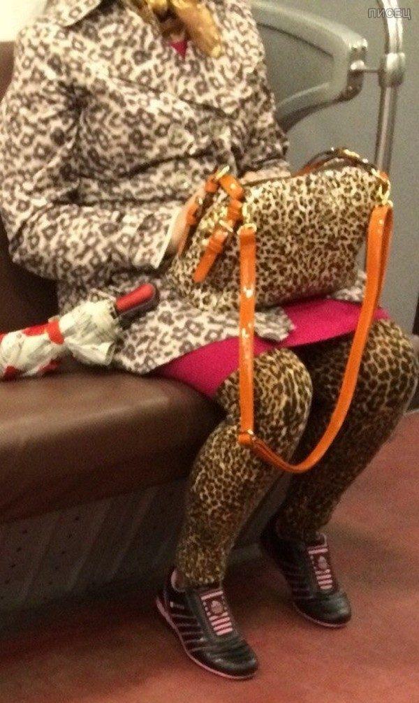 Где еще увидеть главных модников, как не в метро?