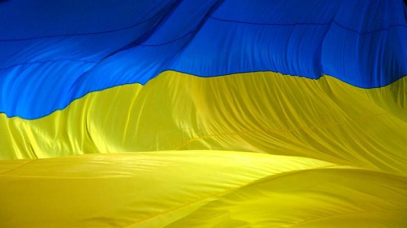 Поляки заставили украинцев носить желто-синюю форму