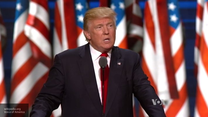 Президент США Трамп собирается провести пресс-конференцию по борьбе с ИГ*