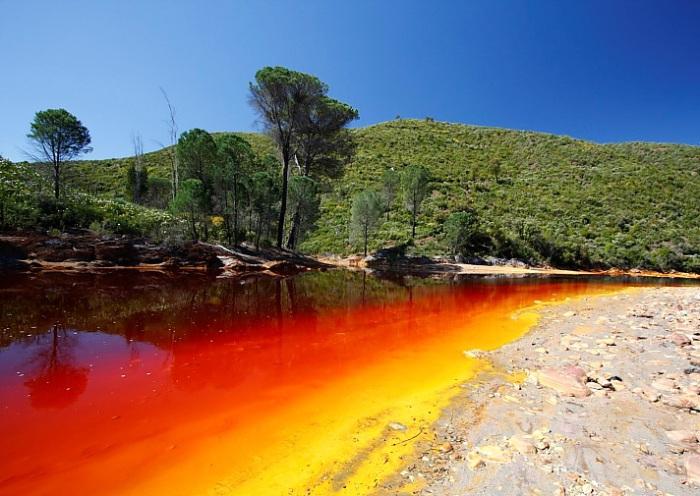 Убийственная красота: самые опасные на планете реки и озера