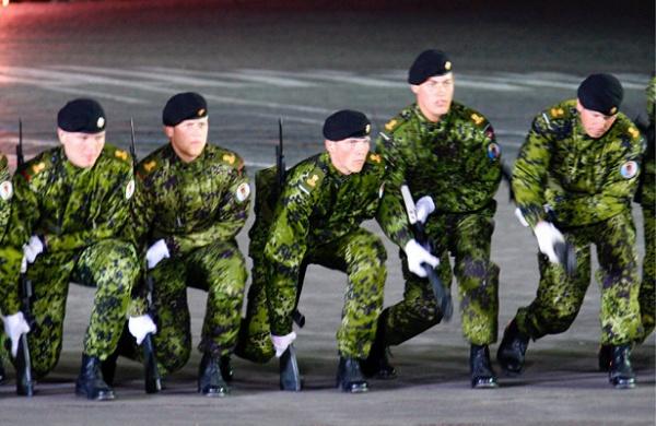 Датский командир вЭстонии: шанс навойну сРоссией ничтожен