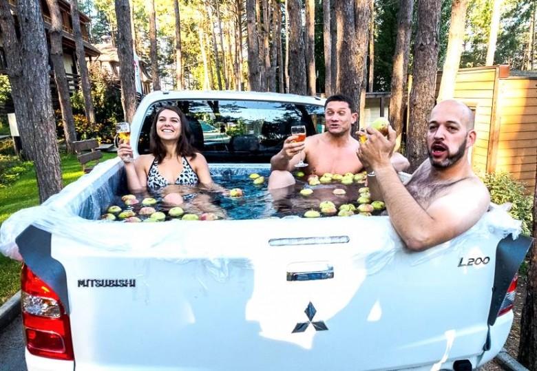 Можно ли сделать бассейн в кузове автомобиля?