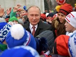 Ребенок ошарашил Путина репликой на Кремлевской елке