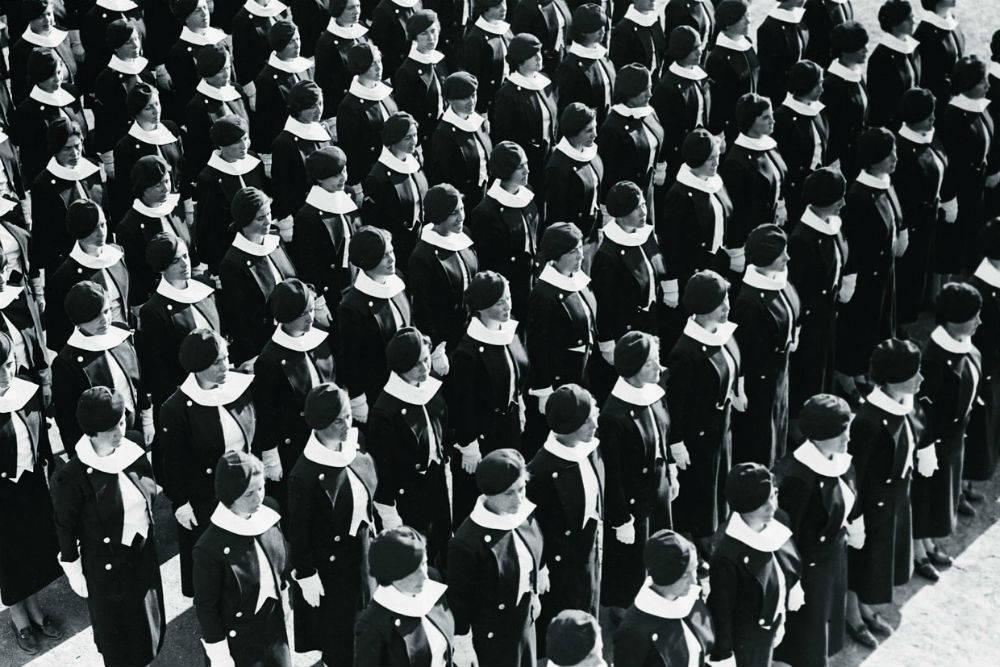 эффект одиночества в толпе