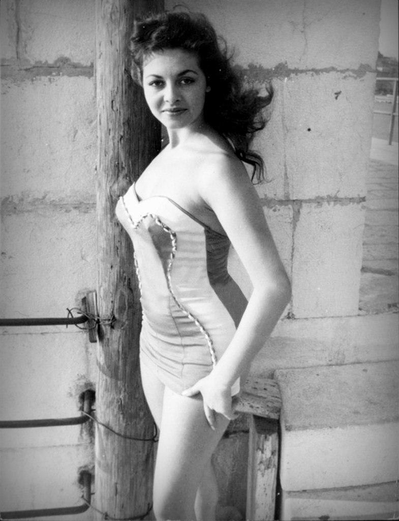 Мишель Мерсье в Каннах,1957 год.