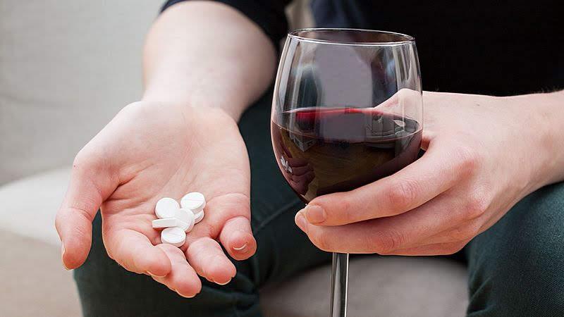 Медицинские мифы: алкоголь и антибиотики