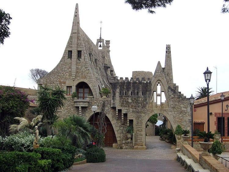 4. Винные погреба Гуэля Гауди, архитектор, архитектура, здания, искусство, красиво, фото, шедевр