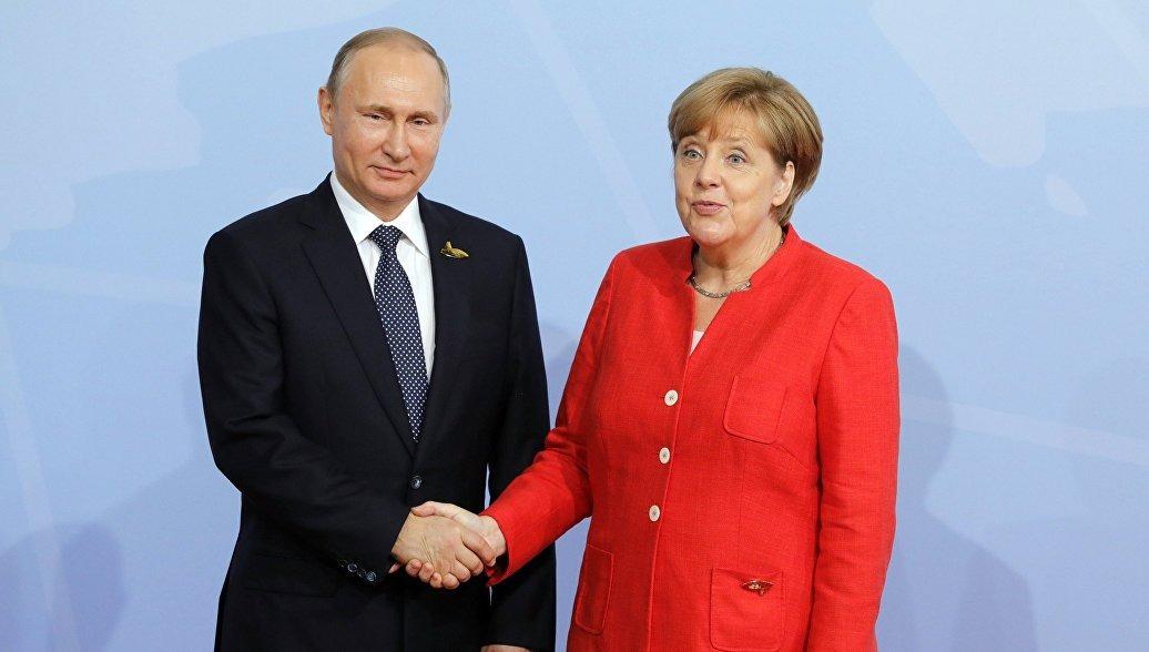 Путин и Меркель обсудили подготовку встречи «нормандской четверки», Ливию и Сирию