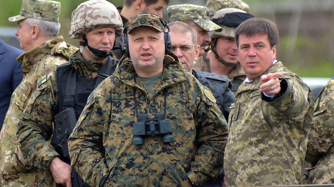 Турчинов: Армия РФ на учениях отрабатывает захват украинских городов