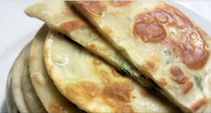 Луковая китайская лепешка — это новое блюдо, но такое вкусное, что станет частым гостем повседневного стола!