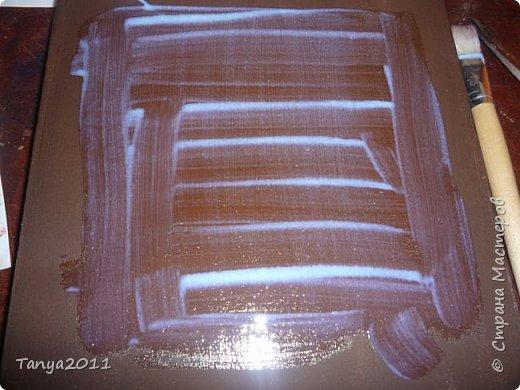 Добрый день, мастерицы! Я сегодня спешила сделать МК шкатулки-книги. Итак, нам необходимо: пеноплекс толщиной 2 см - 2/3 листа, нож канцелярский , наждачка, клеевой пистолет, краска гуашь, акриловый лак, распечатка, контур по керамике белый. фото 32
