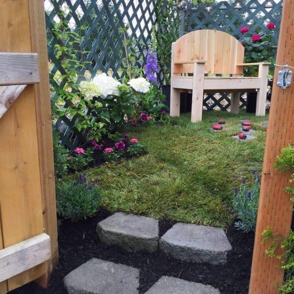 В садике было всё: красивые цветы, живая изгородь и даже работающий фонтан. идеи для дачи, подарки детям, сад