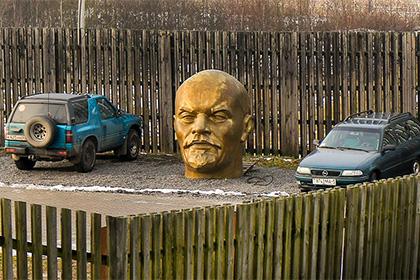Голову Ленина «припарковали» на «Линии Сталина»