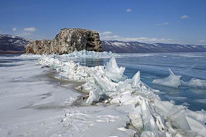 На Байкале создадут ледяную библиотеку с трехметровыми книгами