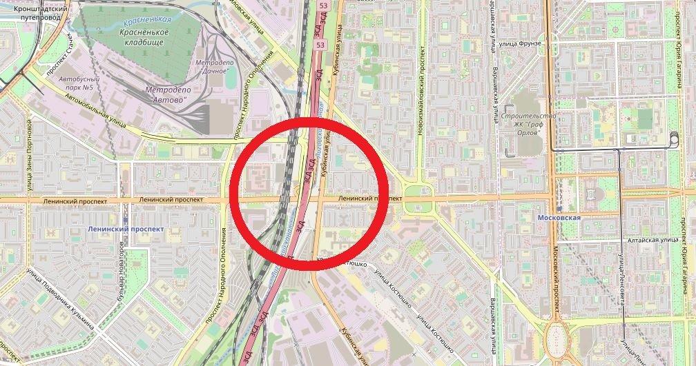 Стало известно, почему на Ленинском проспекте образовался транспортный коллапс