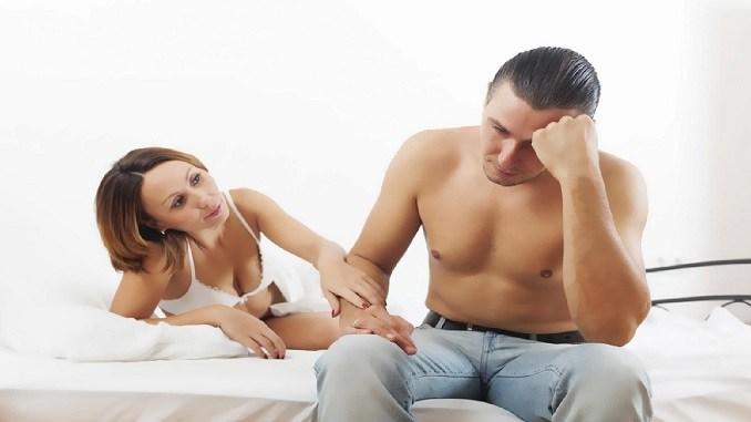 Бред какой-то...Любовница страдает, что он не меняет постель после жены