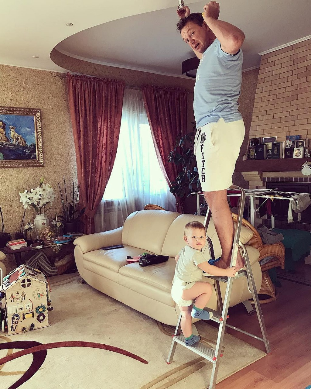 Марат Башаров с сыном. Фото: Личная страничка героя публикации в соцсети