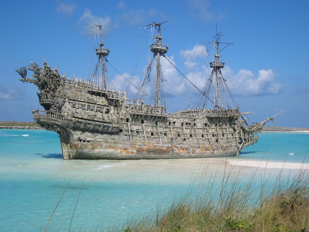 История легендарного судна «Любовь Орлова»