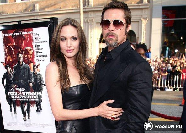Анджелина Джоли и Брэд Питт устроили секретное путешествие с детьми
