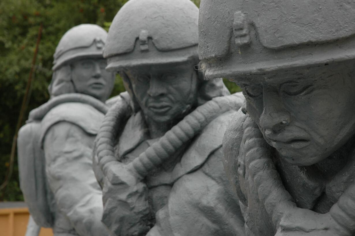 3 человека, которые спасли миллионы жизней, пожертвовав собой (фото)