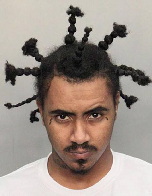 Кто-то любит узелки и резиночки архив, волосы, криминал, люди, перлы, прикол, прически, умора