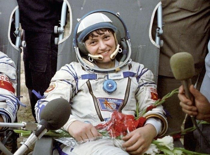 Светлана Савицкая после посадки | Фото: kosmo-museum.ru