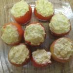 Помидоры, фаршированные яйцами и луком