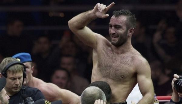 Мурат Гассиев нокаутировал Кшиштофа Влодарчика в ¼ финала WBSS