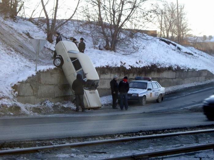 Подборочка смешных и нелепых авто-аварий