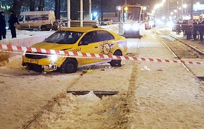 СК проверит таксомоторную компанию после ДТП на остановке в Москве