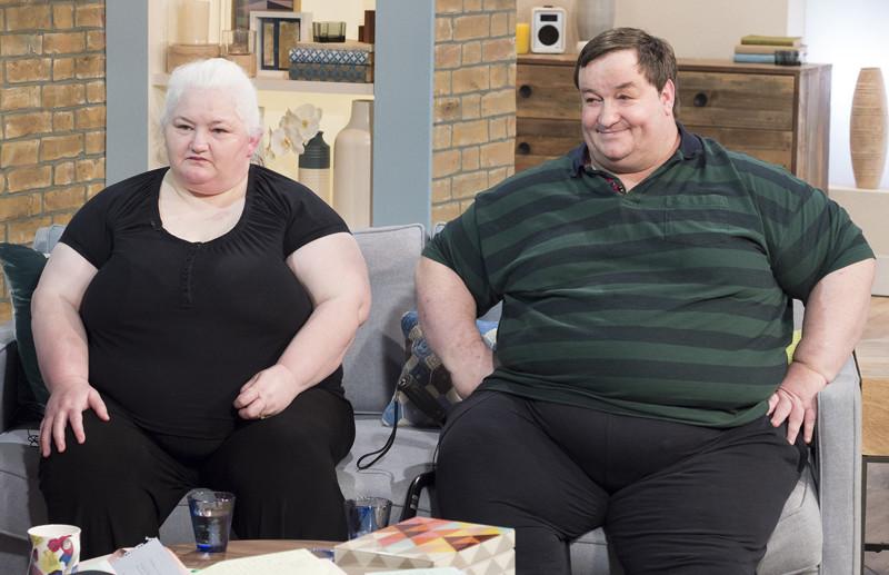 Они поженились и и живут на деньги налогоплательщиков, ведь они «Слишком толстые, чтобы работать»