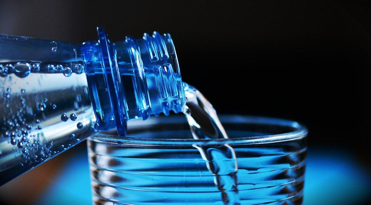 Бутылки Минеральная Вода Бутылка Воды Питьевая Вода