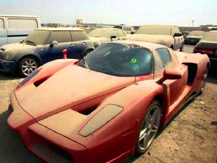 О проблемах Дубая: на парковках скопилось слишком много брошенных «Феррари»