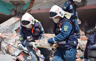 Под завалами цеха в Екатеринбурге нашли тело четвертого погибшего