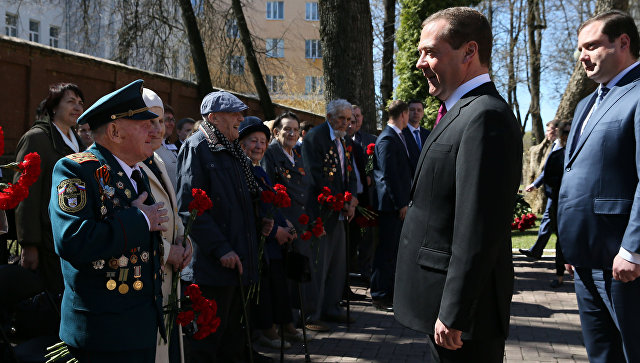 """""""Мы крепкие, мы не боимся"""". Медведев ответил на обвинения в адрес России"""