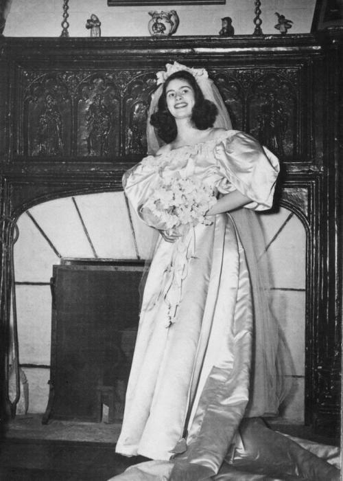 Невеста № 2: Джейн Вудрафф, которая вышла замуж за Джона Кернса в 1946 году.