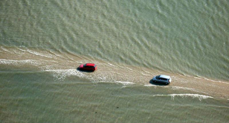 Удивительная дорога, дважды в сутки уходящая под воду