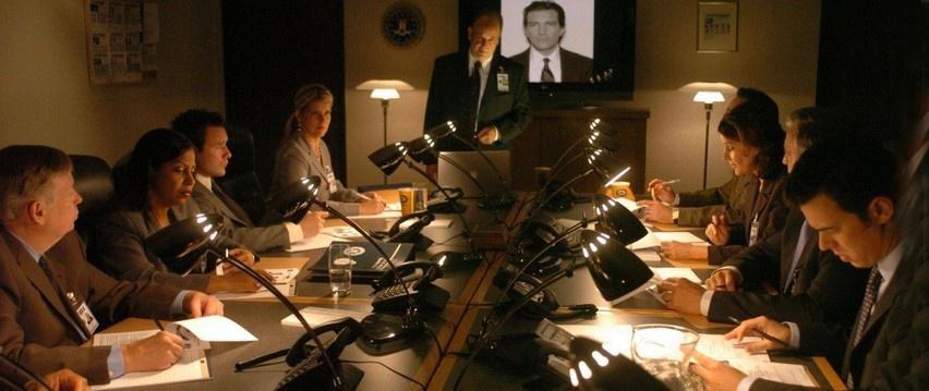 Как наш дипломат над ФБР стебался