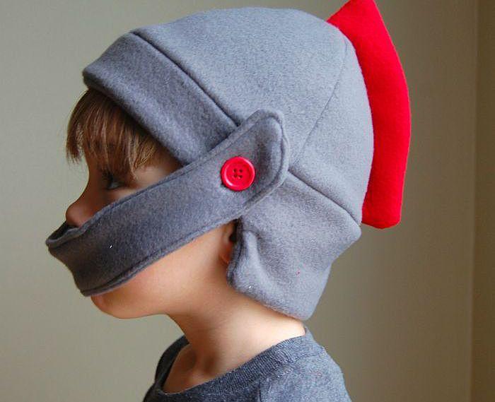 Шьем теплые шапки: шапка-ушанка и трикотажная шапочка с отворотом. Коврик из старых свитеров