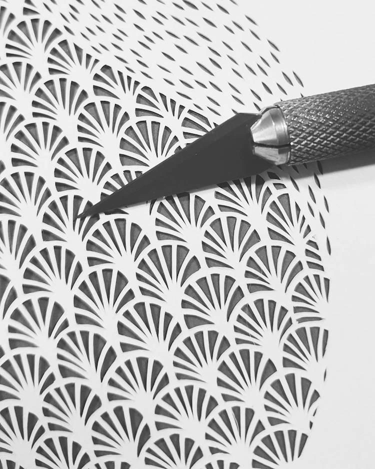 Художница вырезает шедевры из обычной бумаги бумага, бумажные фигурки, вырезание из бумаги, искусство, красота, необычно, тонкая работа, художник