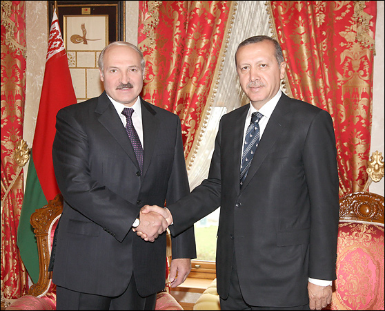 На фоне Эрдогана Лукашенко сегодня — почти светоч демократии